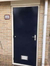 deur blauw